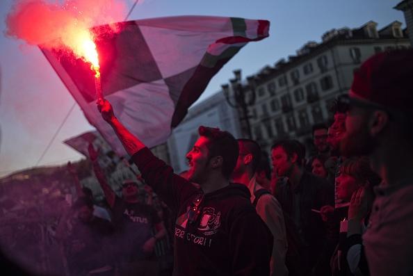 Juventus an mung chuc vo dich Serie A thu 5 lien tiep hinh anh 10