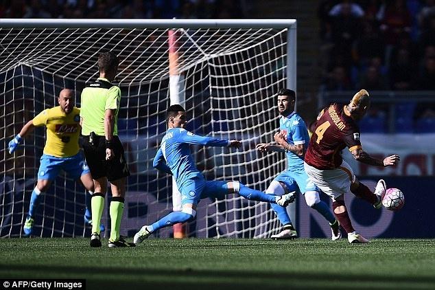 Juventus an mung chuc vo dich Serie A thu 5 lien tiep hinh anh 17