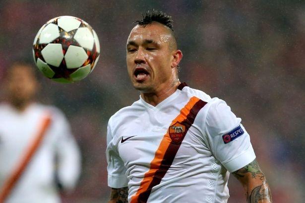 Chelsea mua Nainggolan tu AS Roma hinh anh