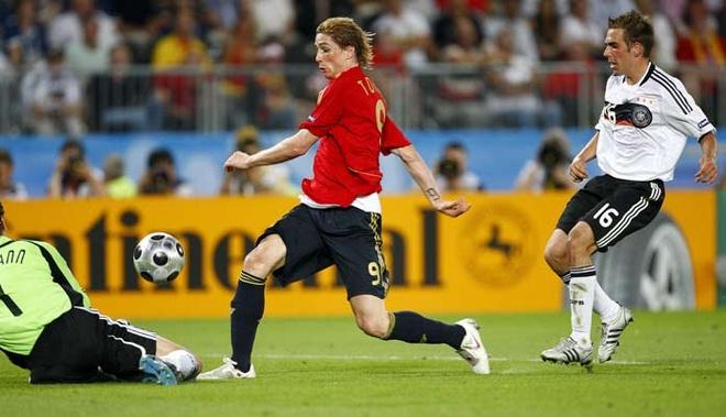 Torres vuot qua Lahm ghi ban thang vang o EURO 2008 hinh anh