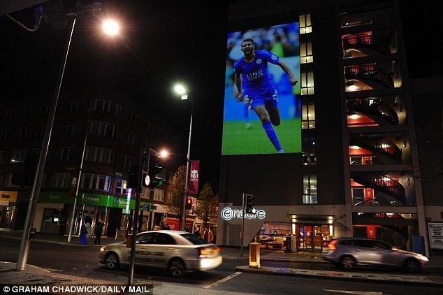 tran Leicester vs MU anh 1