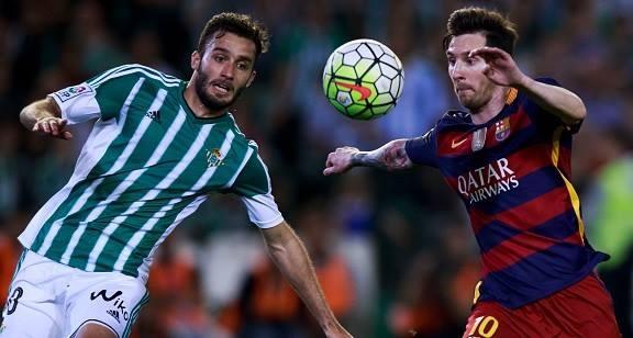 Messi lap cu dup kien tao giup Barcelona thang nhe Betis hinh anh