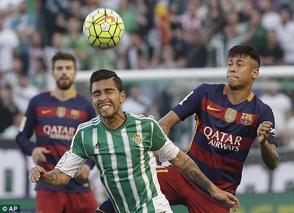 Messi lap cu dup kien tao giup Barcelona thang nhe Betis hinh anh 2