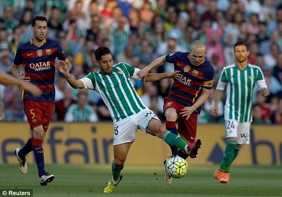 Messi lap cu dup kien tao giup Barcelona thang nhe Betis hinh anh 5