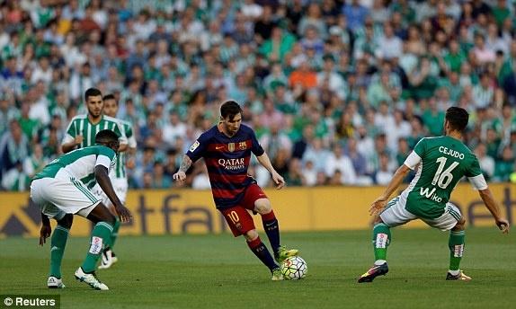 Messi lap cu dup kien tao giup Barcelona thang nhe Betis hinh anh 12