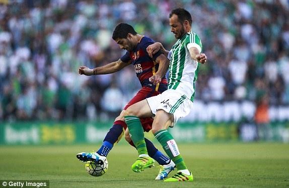 Messi lap cu dup kien tao giup Barcelona thang nhe Betis hinh anh 7
