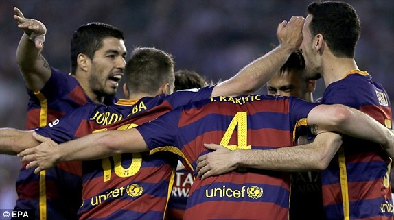 Messi lap cu dup kien tao giup Barcelona thang nhe Betis hinh anh 14