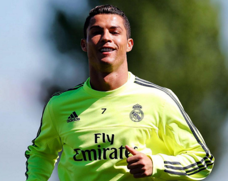 Ronaldo tro lai tap luyen cung dong doi hinh anh