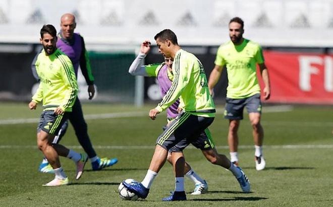 Ronaldo san sang cho tran gap Man City hinh anh 1