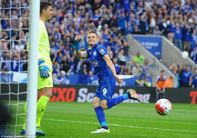 Vardy lap cu dup, Leicester tron niem vui ngay dang quang hinh anh 1