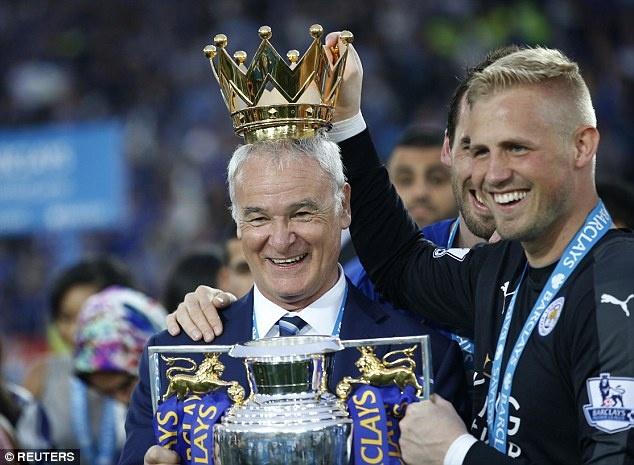 Ranieri doi vuong mien NH Anh, tam champagne vi hoc tro hinh anh