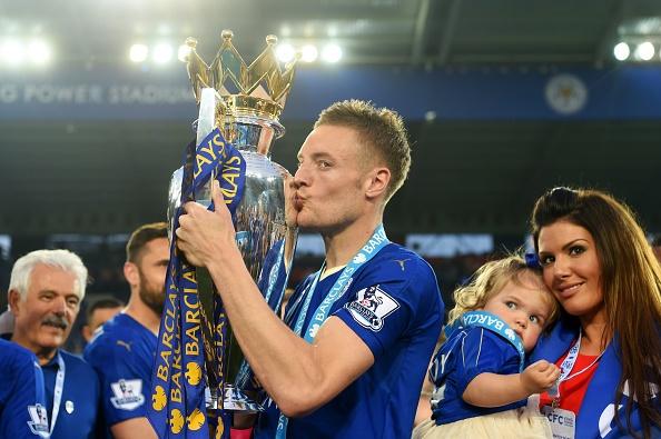 Vardy lap cu dup, Leicester tron niem vui ngay dang quang hinh anh