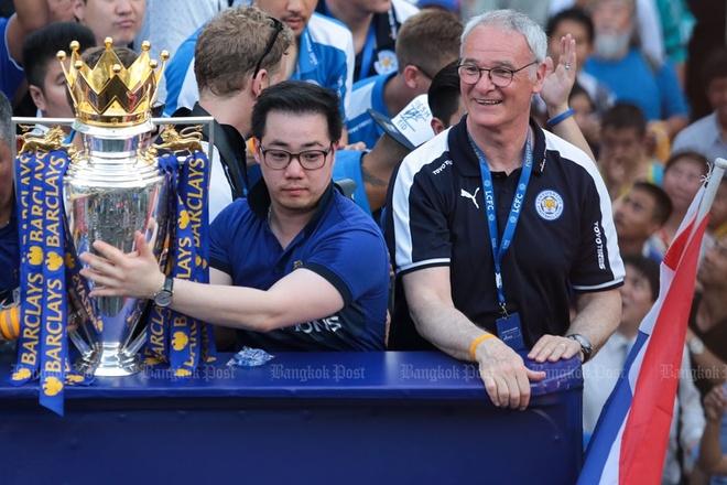 Hang van nguoi Thai du le ruoc cup cua Leicester hinh anh 7