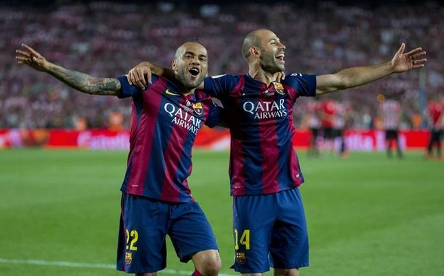 Barcelona mat hai tru cot cho Juventus hinh anh 1