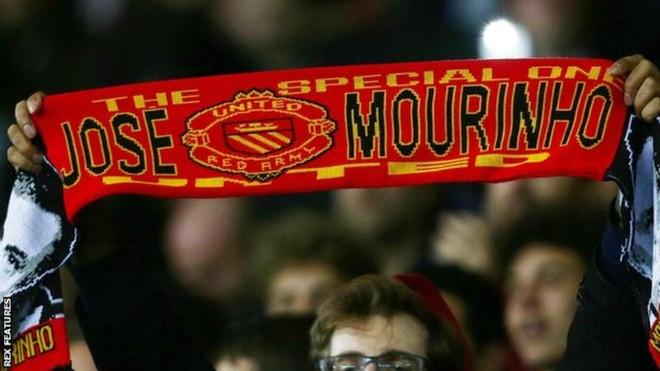 Mourinho chua the ve MU vi rac roi voi Chelsea hinh anh 1