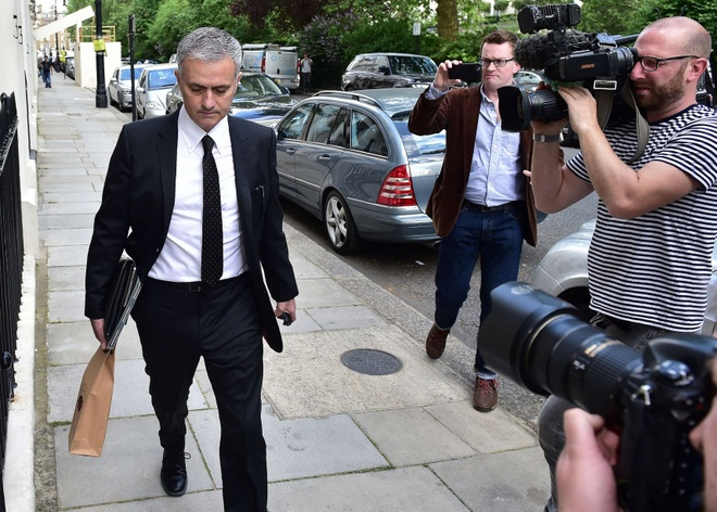 Mourinho chinh thuc ve dan dat MU hinh anh 1