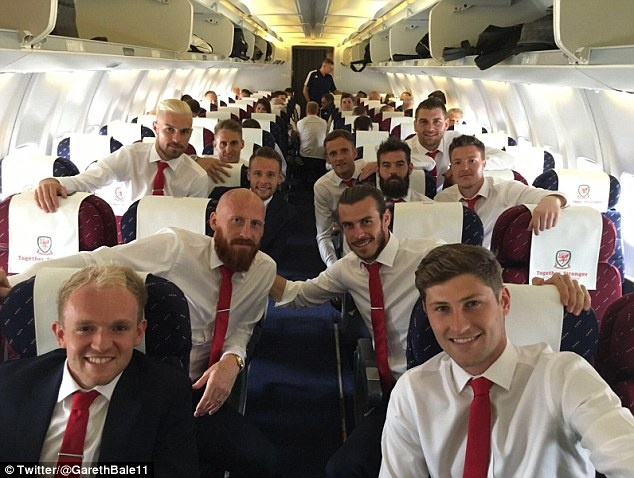 Gareth Bale va dong doi banh bao roi xu Wales du Euro 2016 hinh anh 5