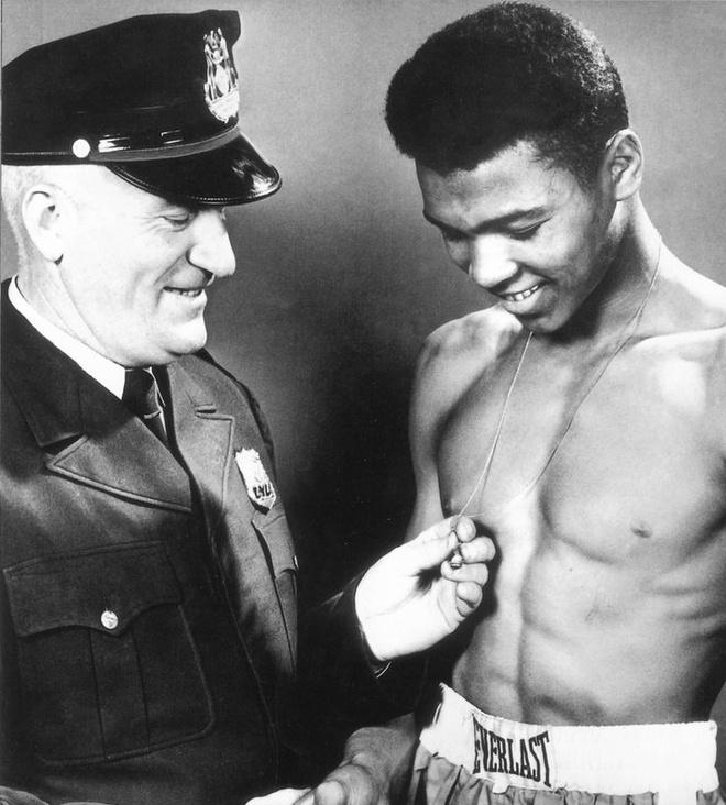 Muhammad Ali - Tu cau be ngheo kho den ong vua quyen Anh hinh anh 2