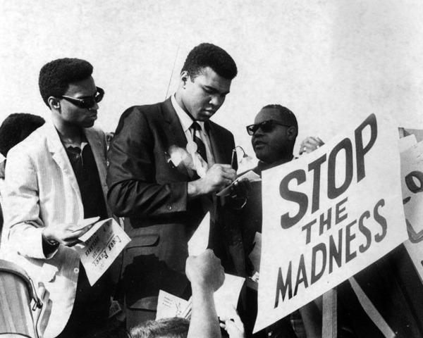 Muhammad Ali - Tu cau be ngheo kho den ong vua quyen Anh hinh anh 12