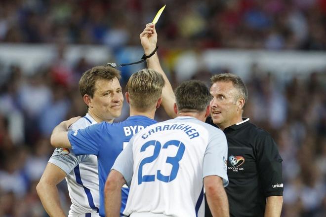 Mourinho, Pele banh bao di xem tuyen Anh thang doi Ranieri hinh anh 15