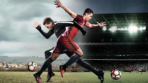 Ronaldo hoan doi than xac voi cau be ngheo nuoc Anh hinh anh