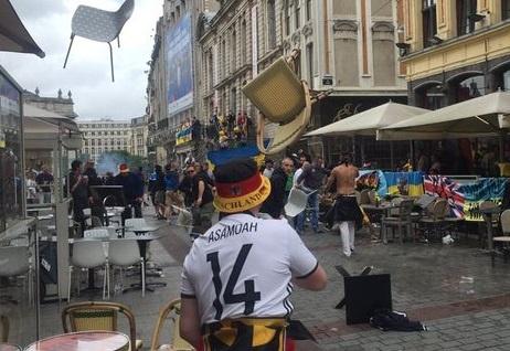 Bao luc Euro leo thang: CDV Duc va Ukraine choang nhau hinh anh