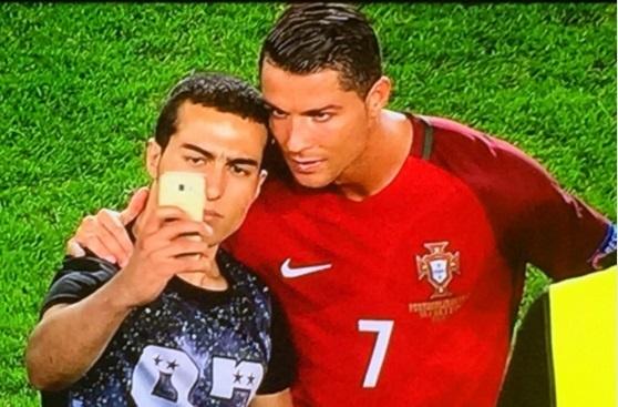 Ronaldo khien CDV khoc ngat hinh anh