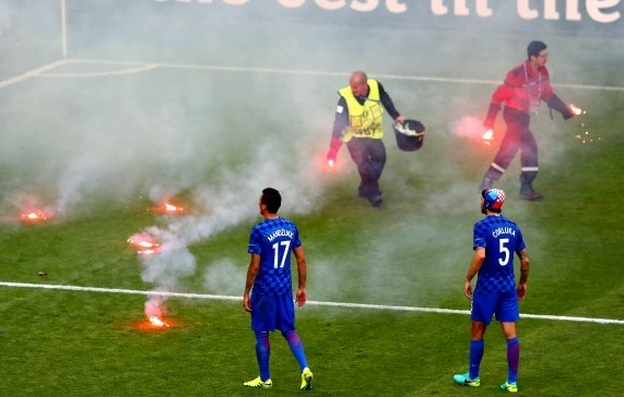 Hooligan Croatia lai co ke hoach khien doi nha bi loai hinh anh