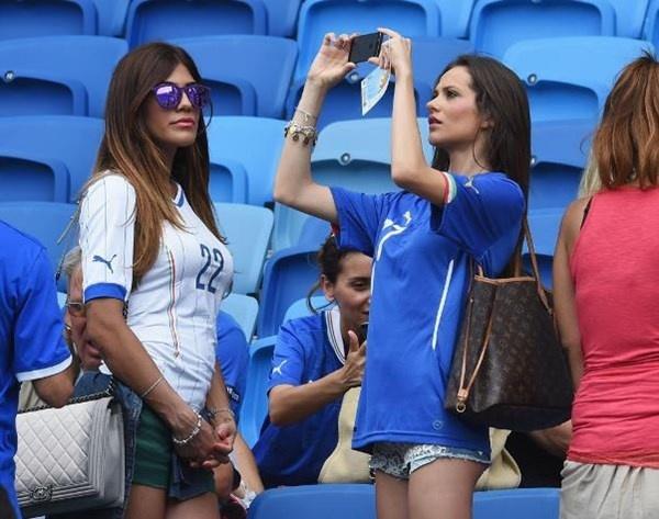 Dai chien WAGs Duc vs Italy: Thuong nho nguoi xua hinh anh 17