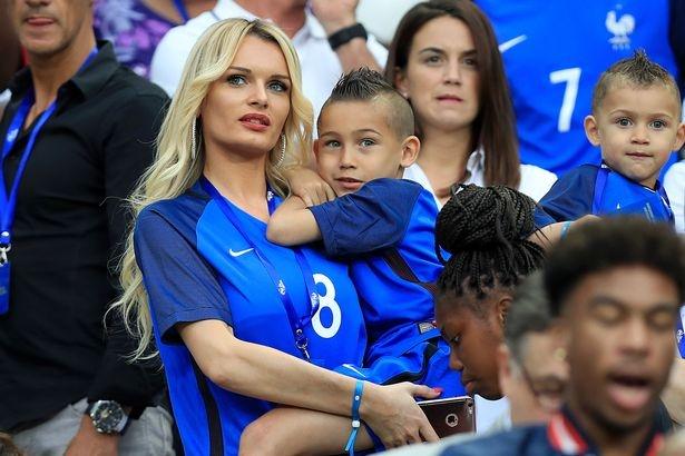 Dai chien WAGs Phap vs Iceland: Chu nha ha knock-out khach hinh anh 15