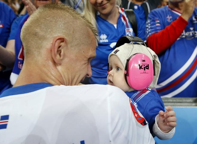 Phap vs Iceland anh 12