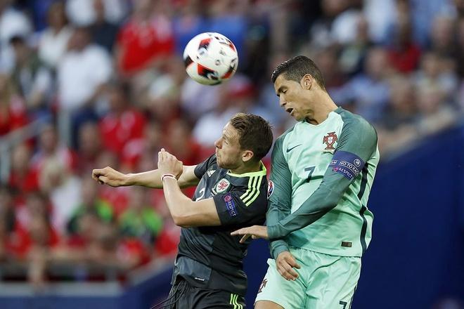 6 cu danh dau dang nho nhat su nghiep Ronaldo hinh anh