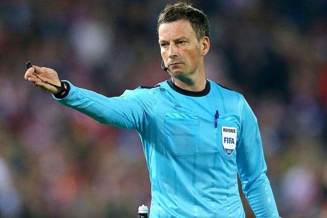 UEFA chon trong tai Anh bat chung ket Euro 2016 hinh anh 1