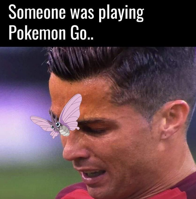 Anh vui ve chu buom dau tren mat Ronaldo hinh anh 2