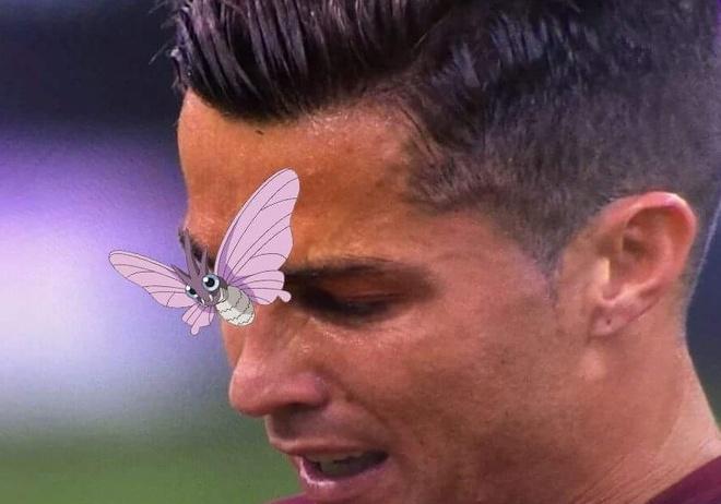 Anh vui ve chu buom dau tren mat Ronaldo hinh anh