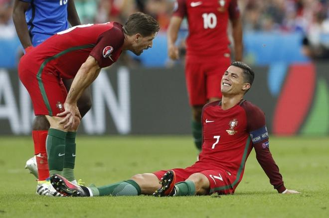 Ronaldo khoc nghen vi chan thuong hinh anh 7