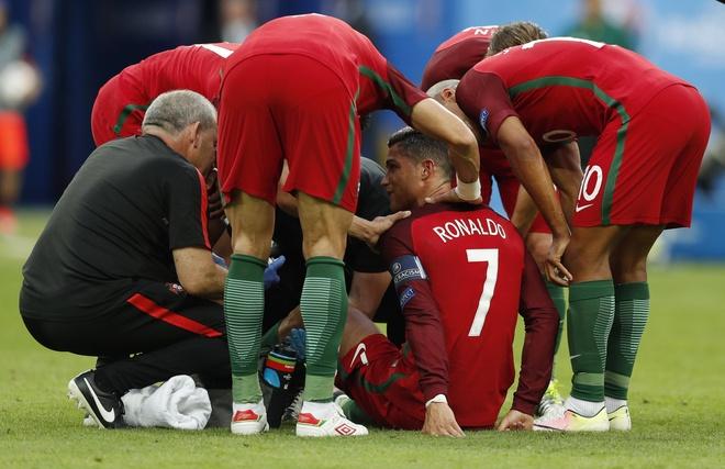 Ronaldo khoc nghen vi chan thuong hinh anh 5