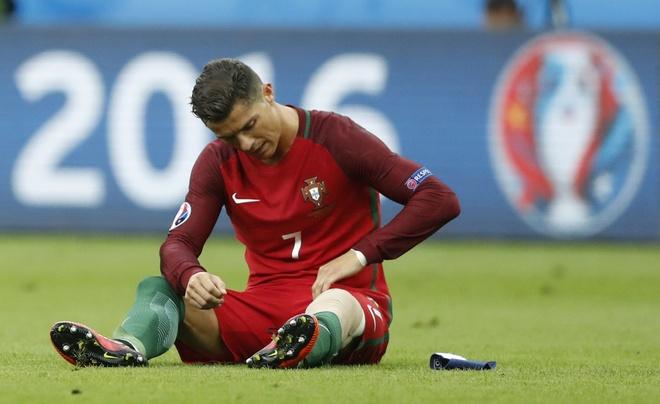 Ronaldo khoc nghen vi chan thuong hinh anh 12
