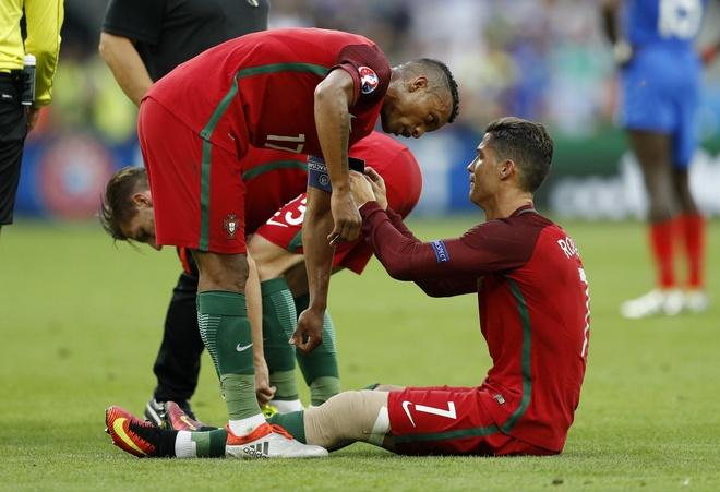 Ronaldo khoc nghen vi chan thuong hinh anh 13