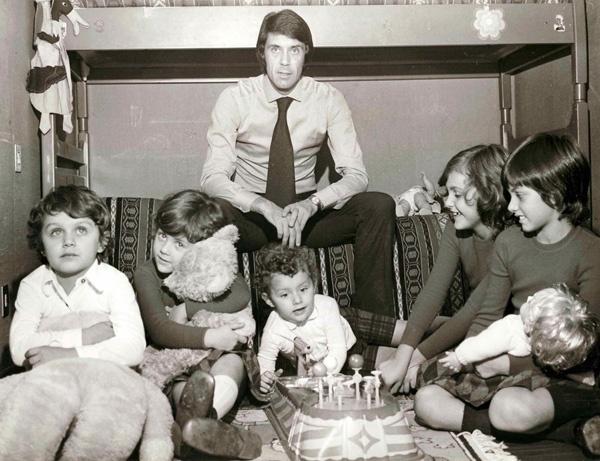 Paolo Maldini mat ca cha lan me trong 3 thang hinh anh 8