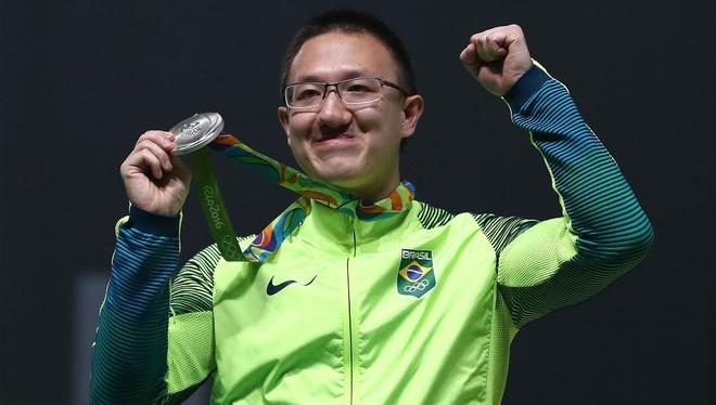 Hoang Xuan Vinh doat HCV Olympics anh 2
