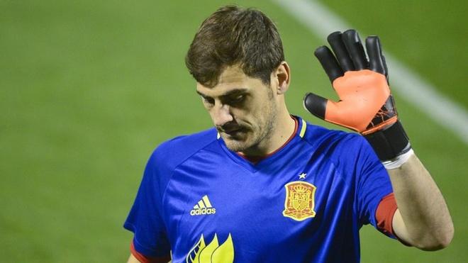 Casillas va nhieu ten tuoi bi loai khoi tuyen Tay Ban Nha hinh anh