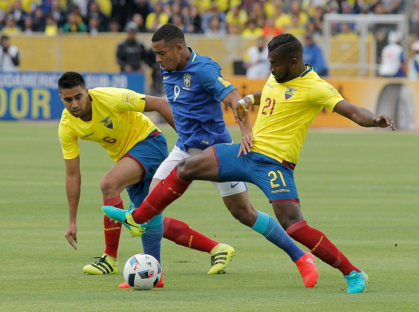 Neymar ghi ban va kien tao, Brazil thang o do cao 3.000 met hinh anh 3