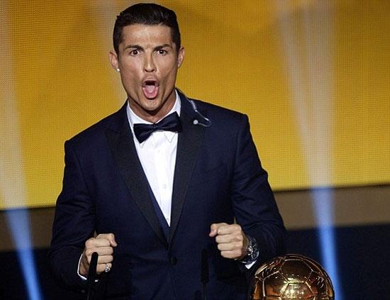 Ronaldo: 'Toi co 3 bong vang con Xavi thi khong' hinh anh