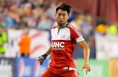 Lee Nguyen ghi ban giup New England thang doi cua Lampard hinh anh