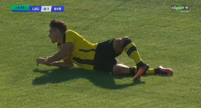 Sao tre Dortmund bi gay gap chan hinh anh