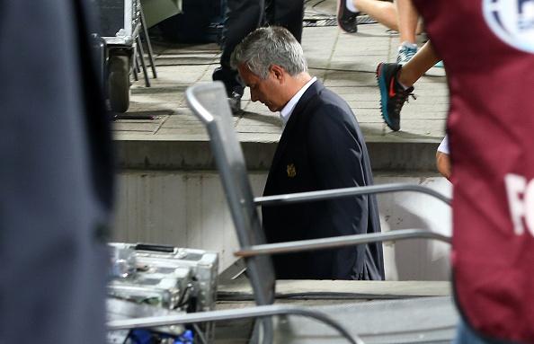 Mourinho bieu cam day 'sat khi' sau tran thua hinh anh 6