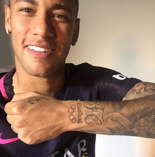 Ronaldo lam bai tap cung con trai hinh anh 8