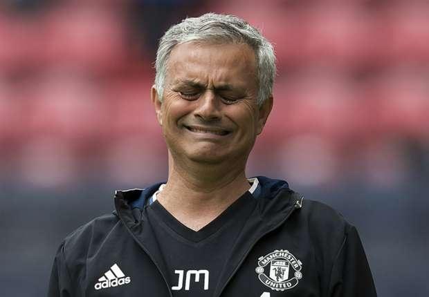 Anh che Pogba va Mourinho lan truyen tren mang hinh anh