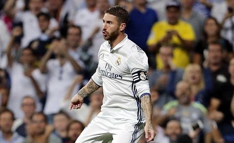 Ramos an va kiem phat den, dong kich lua trong tai hinh anh